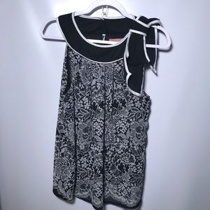 Misty and Max sleeveless blouse with bow size M